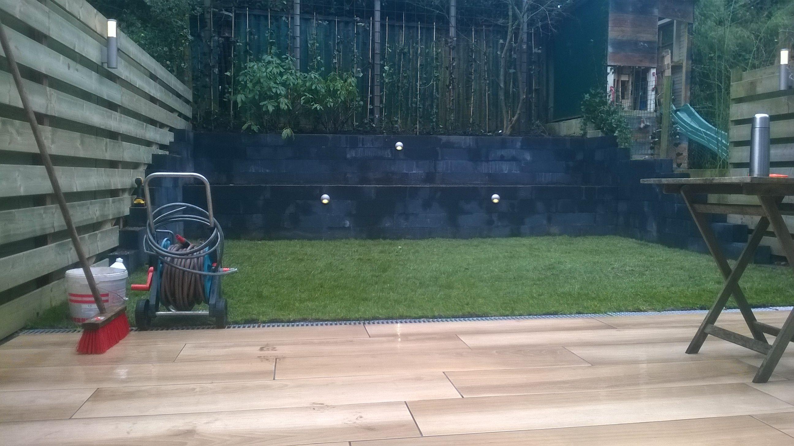 Tuinverlichting In Tegel : Tuinaanleg amersfoort keramische tegels graszoden verlichting