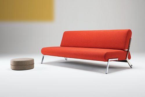 Eindelijk is hij binnen; het nieuwste model van Innovation: Debonair. Een gezamenlijk ontwerp van Per Weiss en de Franse ontwerper: Marc Lebas. Een samenwerking die zeker voor herhaling vatbaar is!  Hij heeft alles in zich om net zo'n klassieker te worden als model Puzzle.