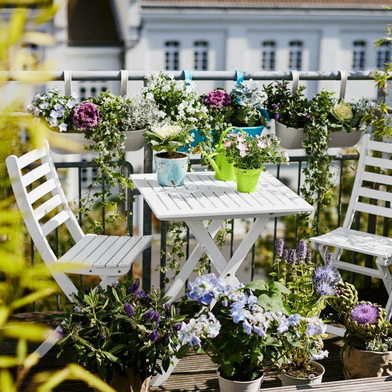 sichtschutz f r den balkon varianten aus holz pflanzen und markisen balcony balkon. Black Bedroom Furniture Sets. Home Design Ideas