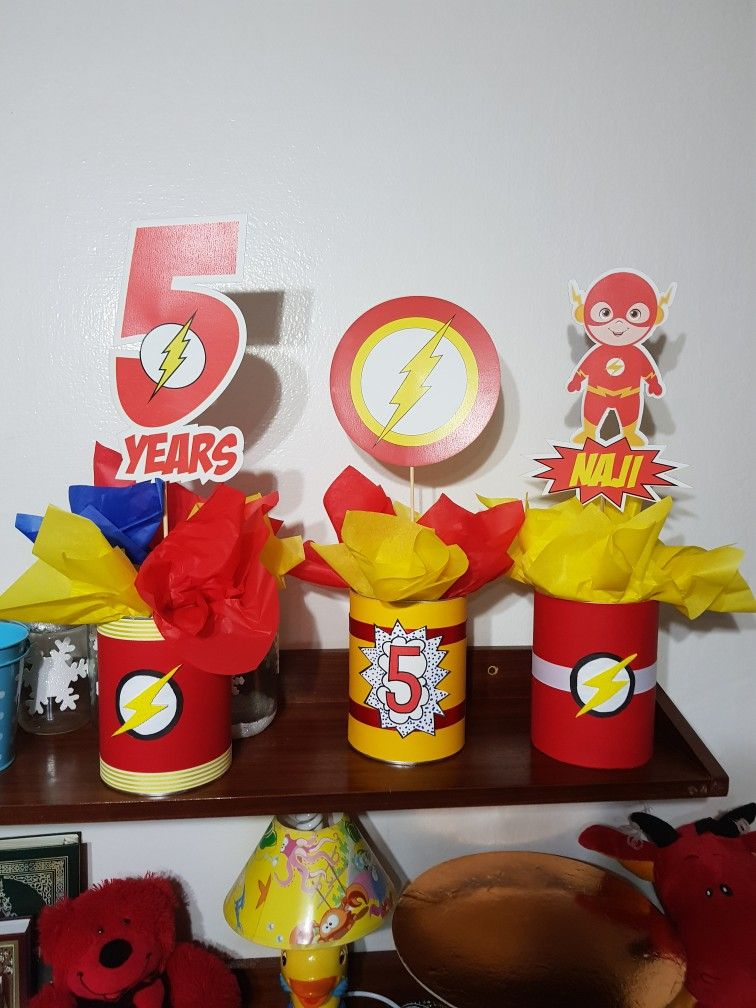 Centre Piece The Flash Birthday Theme Birthday Party Tables