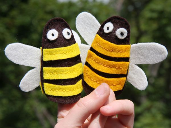 Bumblebee finger puppets free pattern diy toys finger for Bee finger puppet template