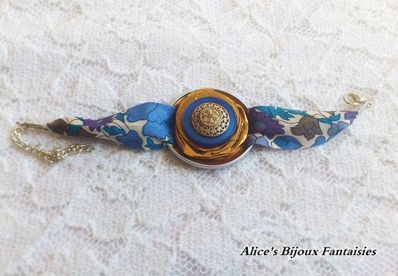 bracelet capsule Nespresso bouton bleu fleur