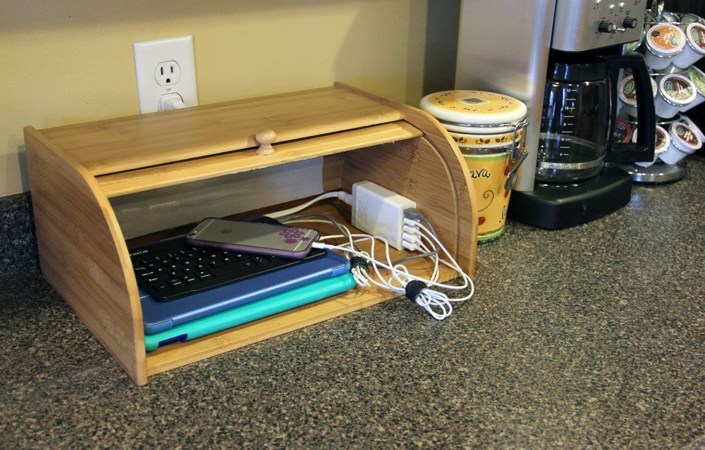 Make Your Own Diy Charging Station Organizer To Keep Multiple Devices Without The Mess Hint A Great Smart Usb Hub Pulls It All Together