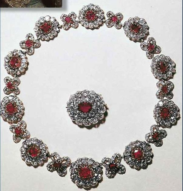 Ruby-Parure of Queen Elisabeth Ludovika of Prussia, she was born in Munich, as the daughter of King Maximilian I Joseph of Bavaria and Queen Friederike Karoline Wilhelmine Margravine of Baden. She was the identical twin sister of Queen Amalie of Saxony, consort of King John I of Saxony, mother of Ludovika, Duchess in Bavaria, the mother of Empress Elisabeth of Austria (Sisi), who was Elisabeth's godchild and namesake. She was known within her family as Elise.