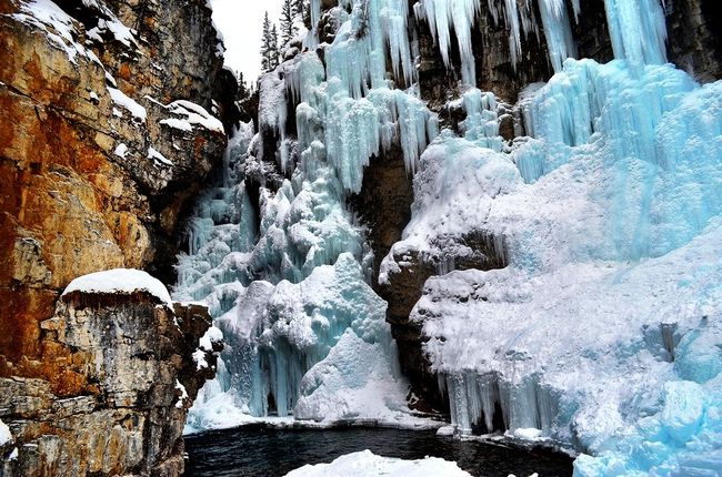 Johnston Canyon Icewalk in Banff National Park, Canada. #travel