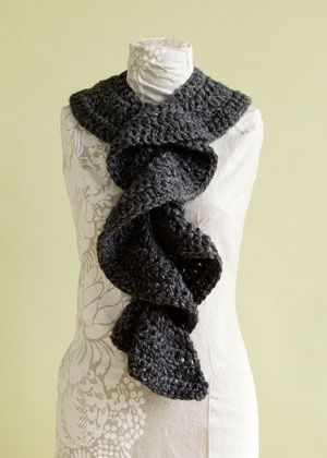 Frilly Knit Scarf Crochet Pattern : Flirty Ruffle Scarf - great quick gift, easy to customize (homespun is my fav...