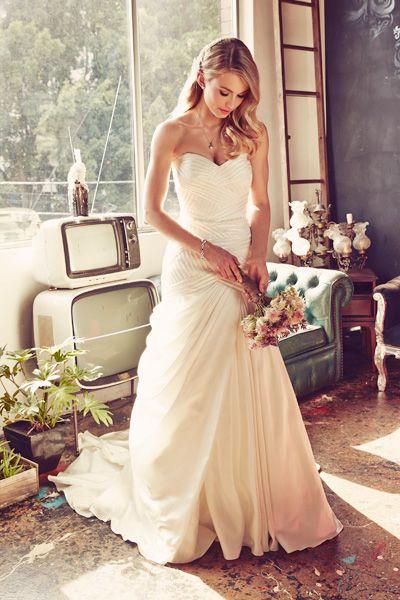 Feminine Wedding Gowns Roz La Kelin Tina Gown Jannie Baltzer