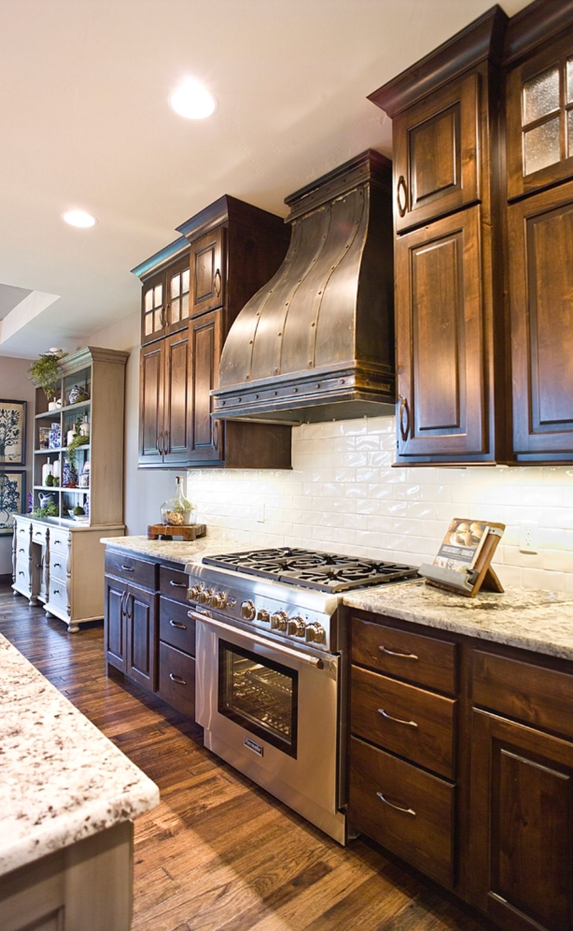 Pin by Roslyn Meadows on Kitchens   Dark wood kitchens ...