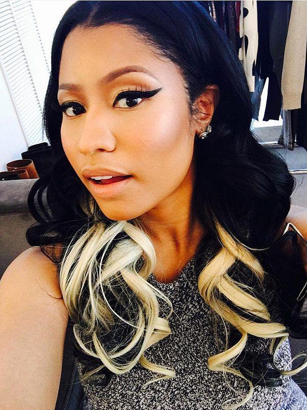 Nicki Shows Off Her New Blond Hair Nicki Minaj Hairstyles