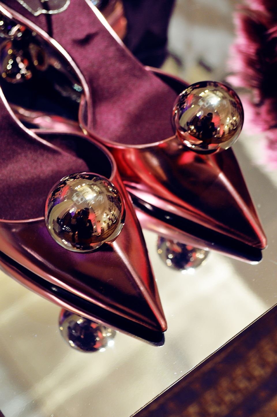 Metalic Ping Ping Low Kitten Heel As Seen During Rogervivier Rendezvous Aw 14 15 Limited Edition Presentation Roger Vivier Shades Of Burgundy Burgundy Wine