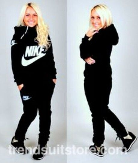 referencia psicología Cuervo  Nike jogging suit … | Sweat suits women, Sweat suits outfits, Nike sweat  suits