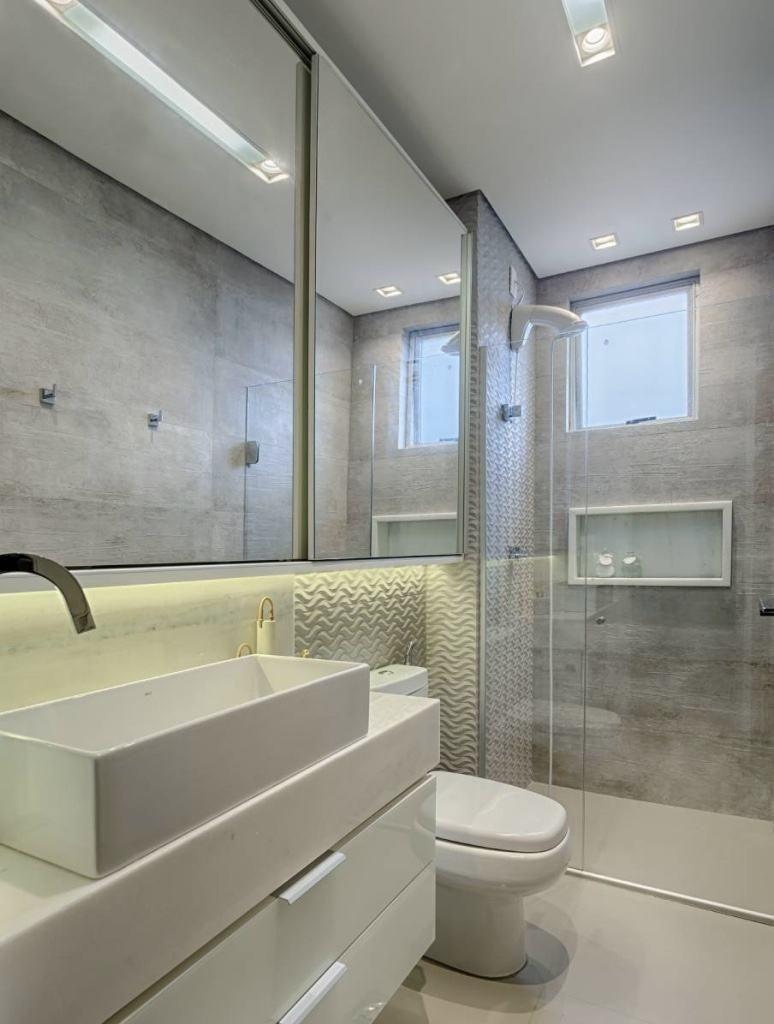 65 3d Bodenbelag 60 Atemberaubende Ideen In Der Dekoration Flooring Epoxy Beton Epoxidharzbode In 2020 Dusche Umgestalten Badezimmer Renovieren Badezimmer Grun