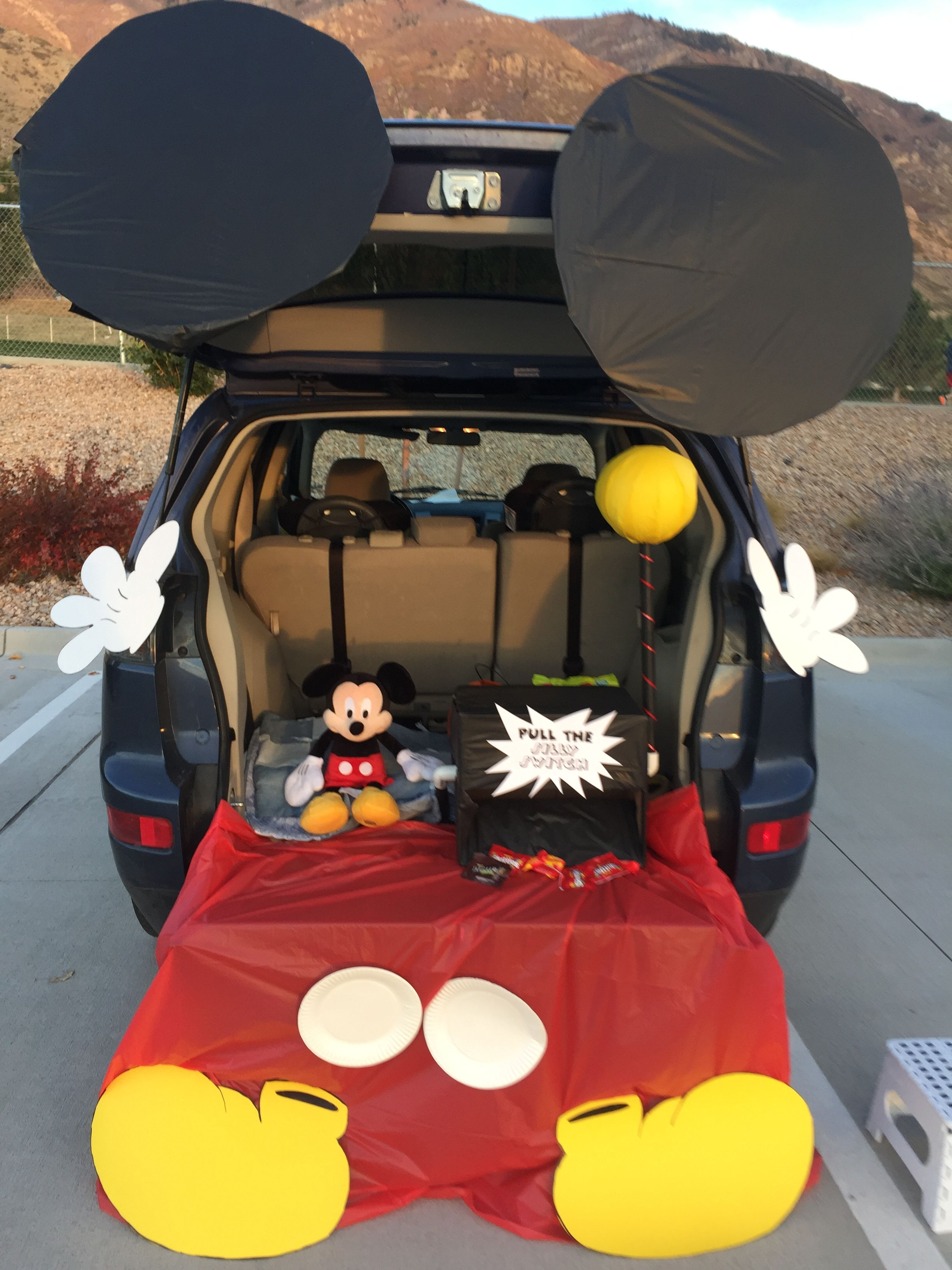 Trunk or treat Mickey Mouse | Seasonal | Pinterest | Mickey mouse ...