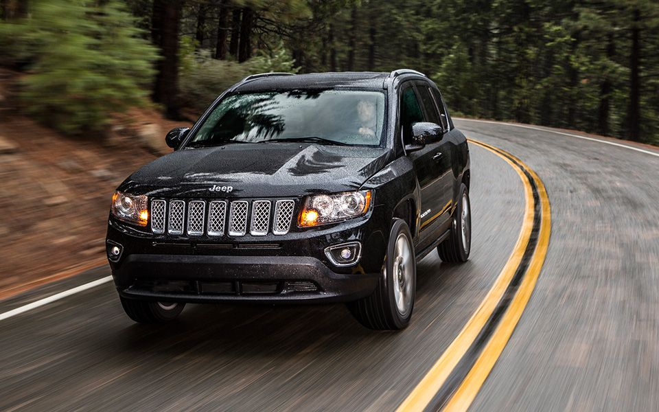 2014 Compass Jeep Compass Combines Sophisticated Jeep Brand Styling With Affordability It Offers Outs Jeep Compass Limited Jeep Compass Chrysler Dodge Jeep