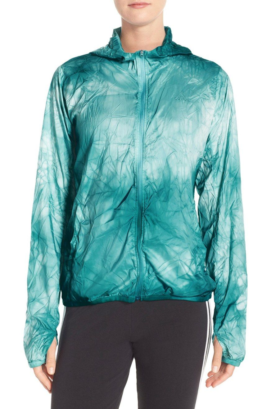 A unique pack-dying technique gives each piece its one-of-a-kind look. The UV layer protects you from the harmful rays of the sun, and this running jacket packs into it's own pocket for on-the-go convenience.