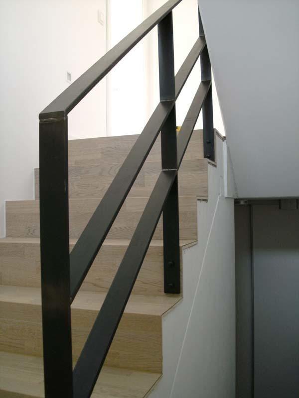 Treppengeländer aus 12 x 60 mm Zunderstahl in Wolfsburg