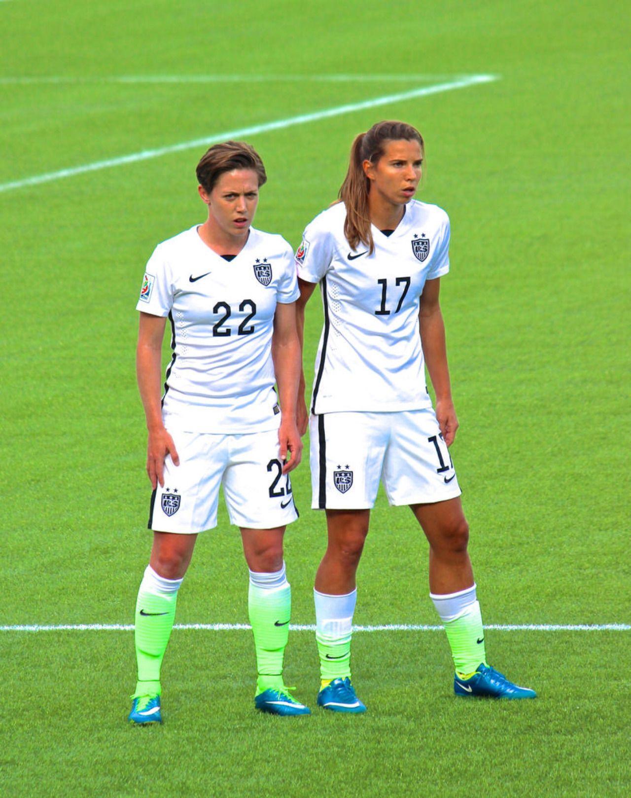 Meghan Klingenberg Tobin Heath Us Women S National Soccer Team Usa Soccer Women Usa Soccer Team