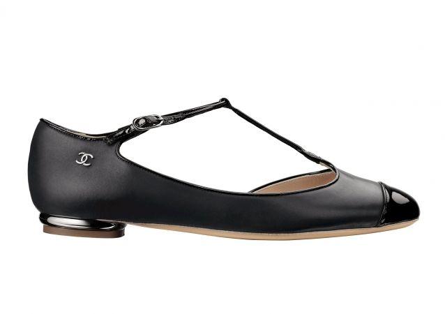 Black matt and patent leather shoe