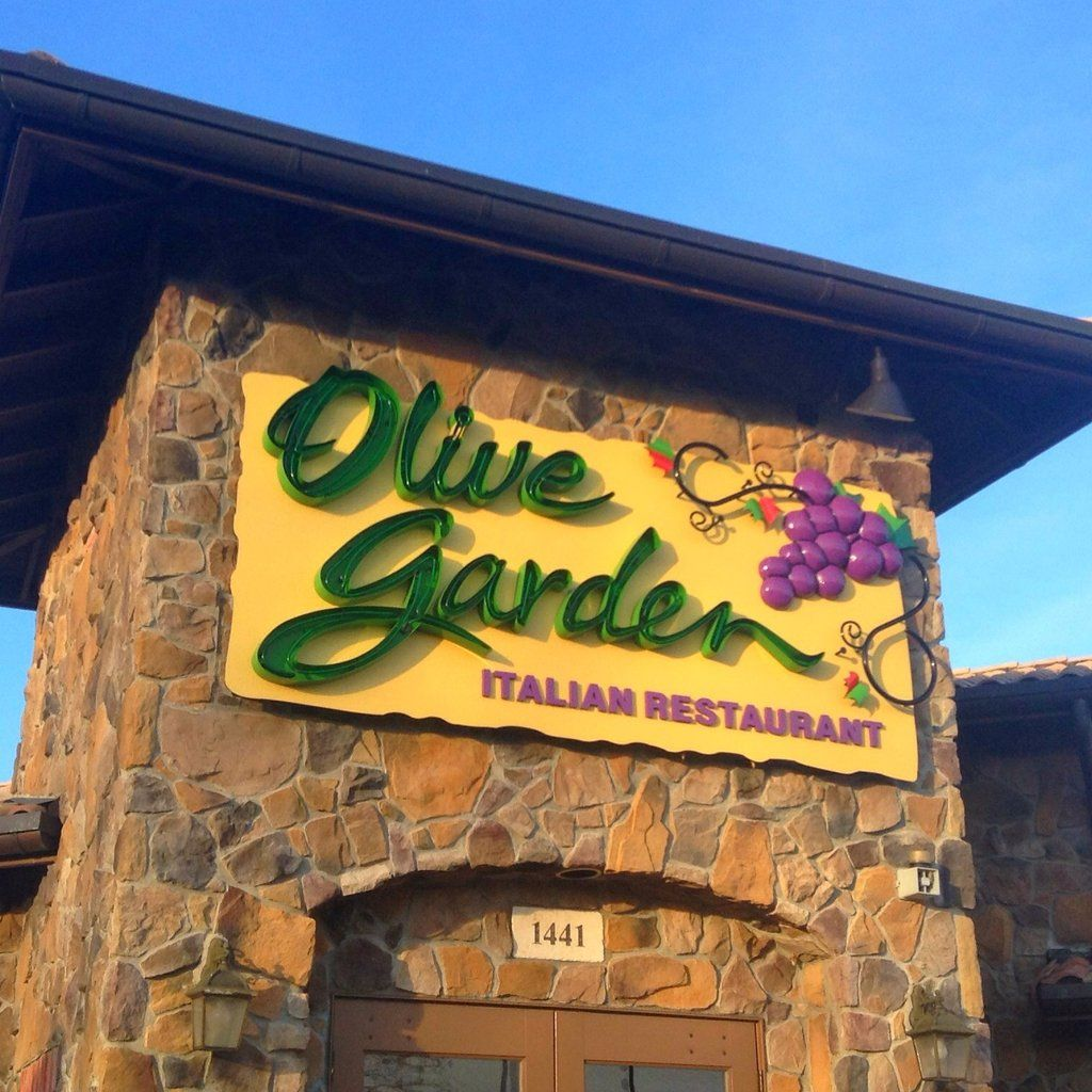 Curious about Olive Garden's restaurant secrets, POPSUGAR