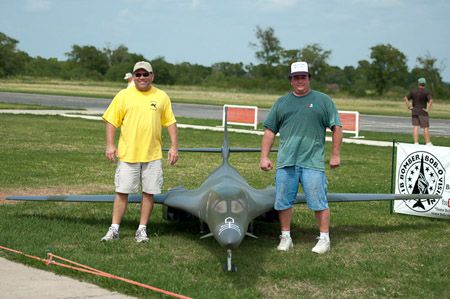 1 8 scale radio controlled b1 bomber see more giant scale rc airplanes at www hooked on rc airplanes com