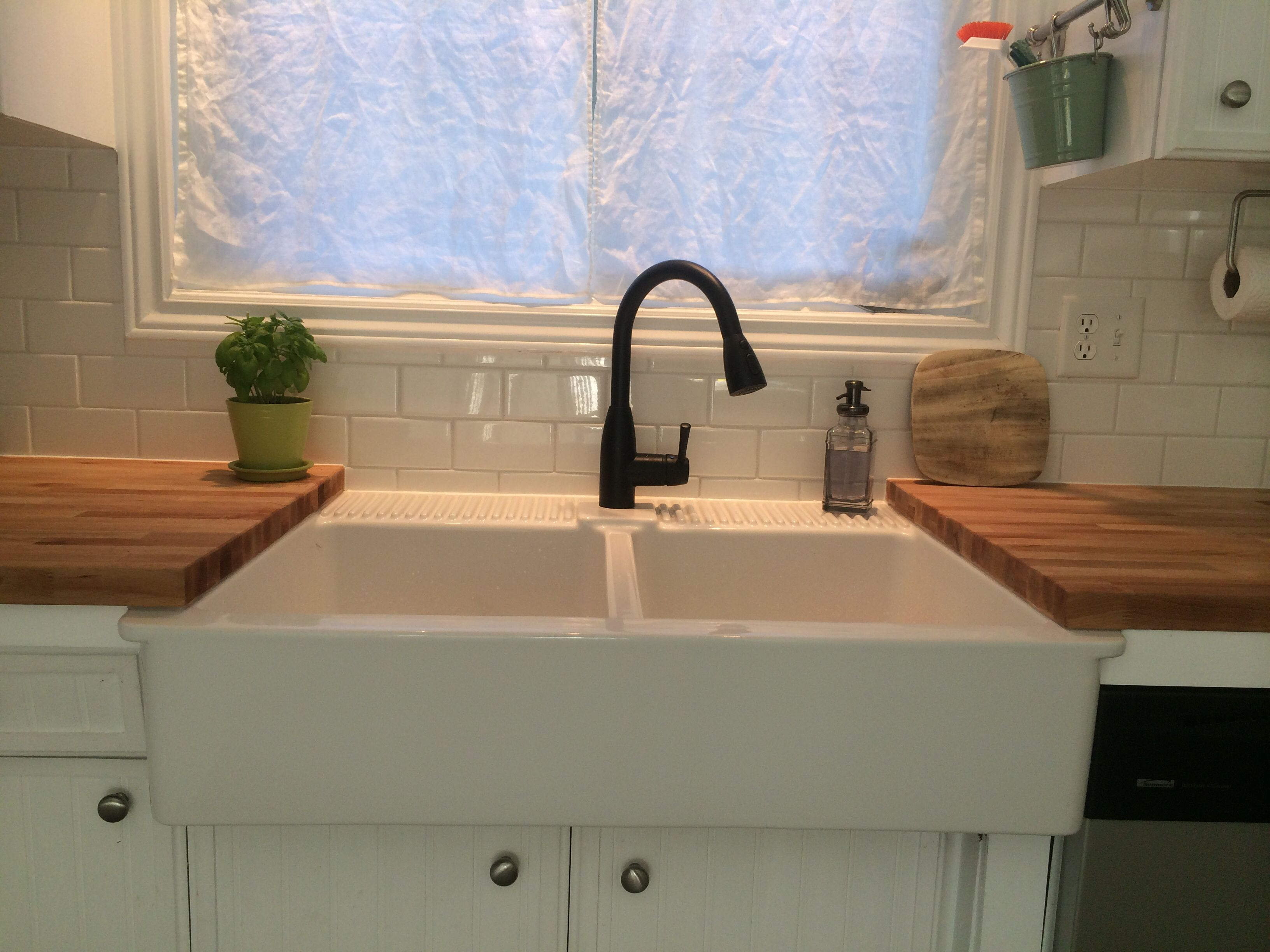 Farmhouse Sink From Ikea I Love This Partial Ikea Undermount Crumbs Go Right Into The Sink Wi Pedestal Sink Storage Ikea Farmhouse Sink Ikea Apron Sink