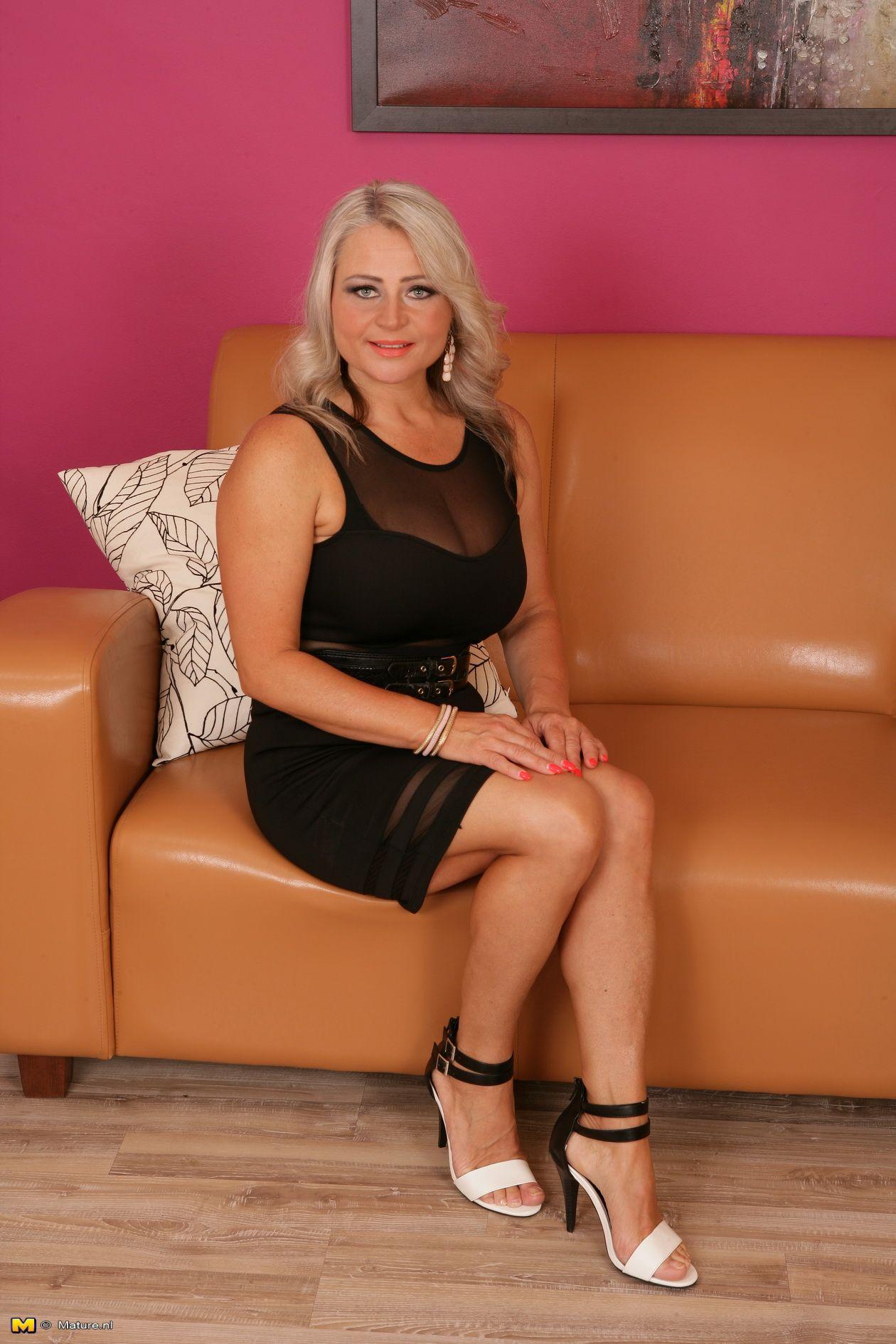 Good hot amature blonde milf