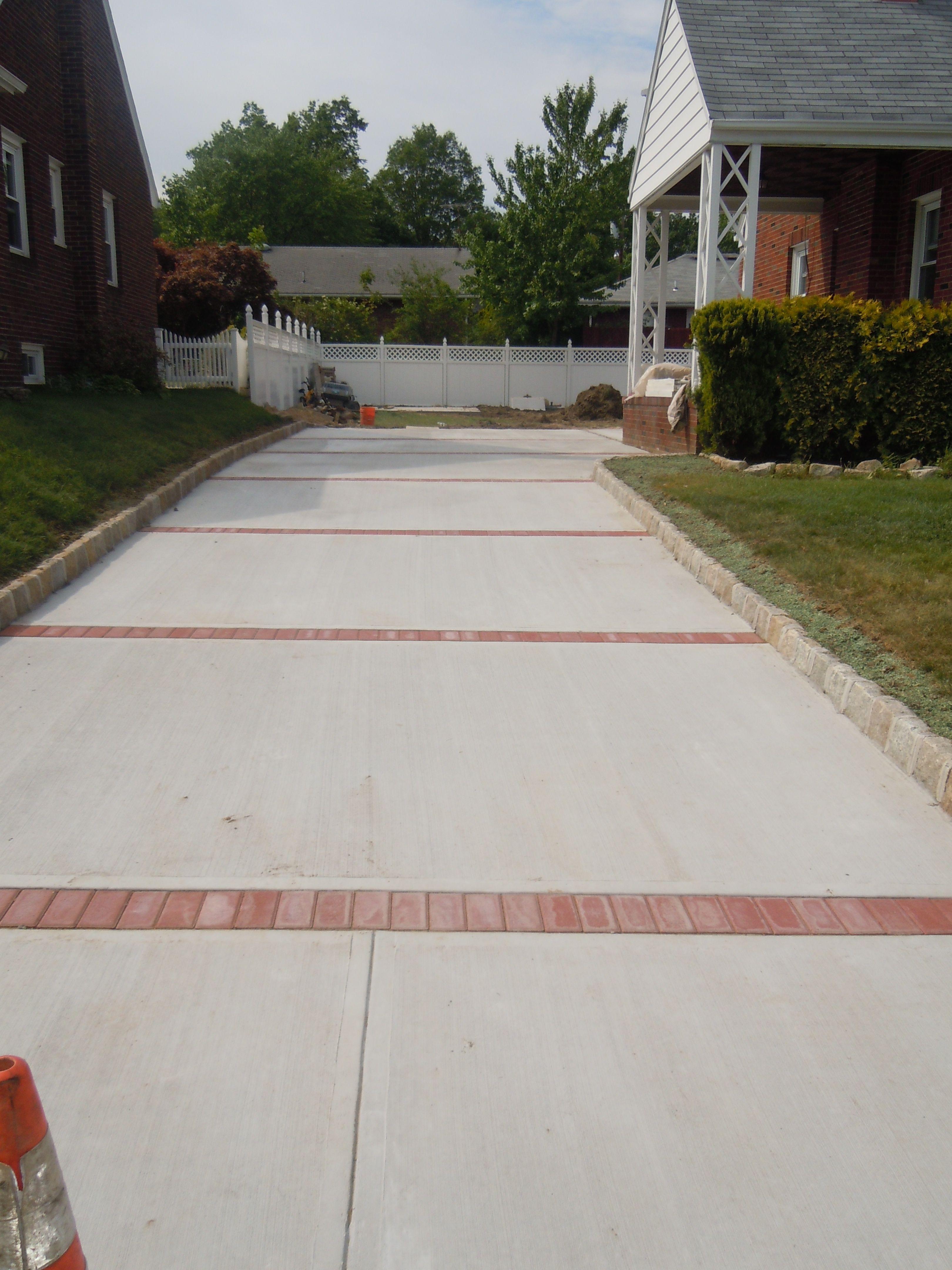 Paver And Concrete Driveway Concrete Driveways Driveway