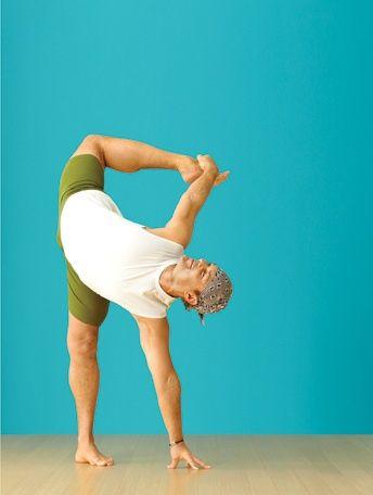 half moon pose  yoga for beginners yoga journal yoga