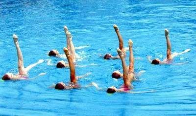 szinkron úszás