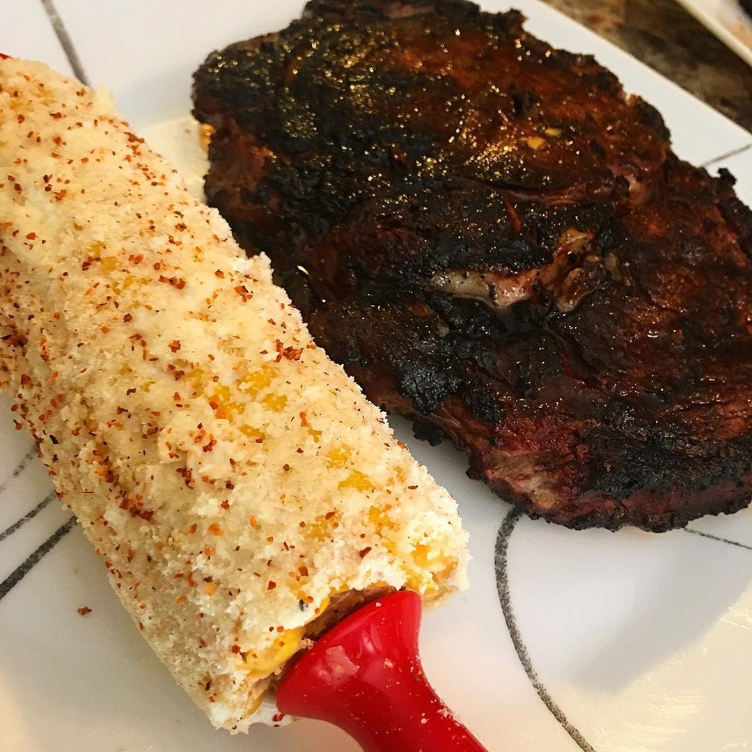 Ribeye y elote. 🌽 #elote #elotes #chef #cheflife #chefsofinstagram #chefs roll #chefsfeed #chefstable #gastroart #artofplating #gourmetartistry #foodporn #gastronomy #gastrono