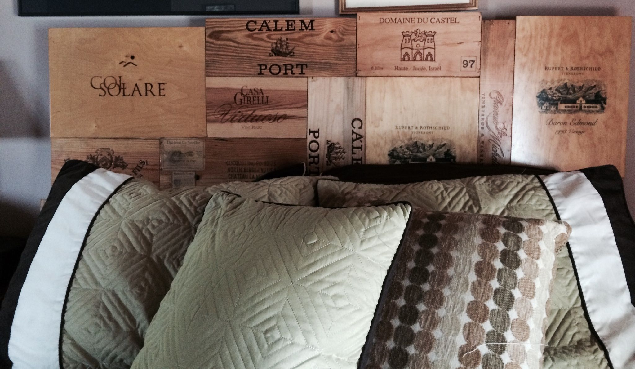 Creative Use For Wine Boxes Headboards 4 Easy Steps 1)