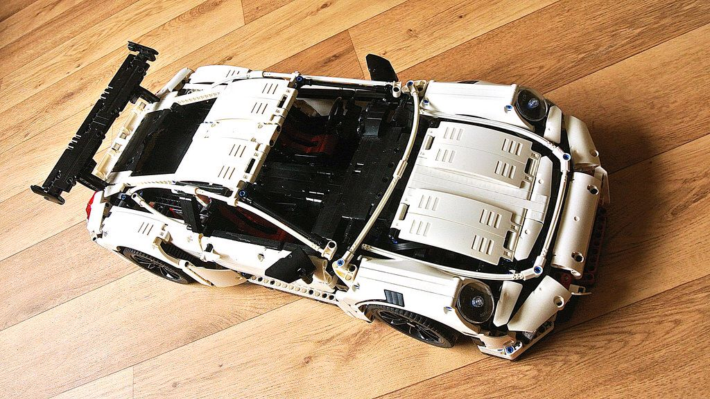 How to Build the Motorized Decool 3368 Porsche 911 GT3 RS (White with Black Rims)