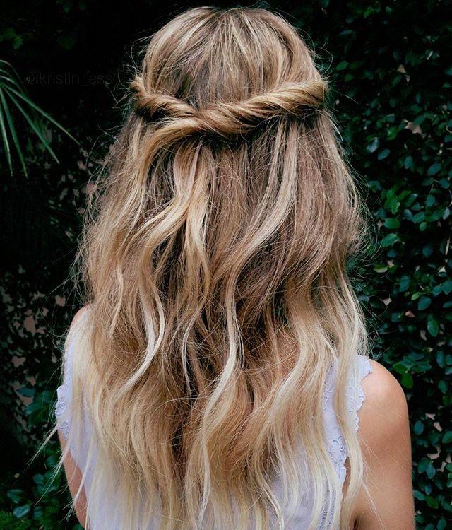 #hairgoals: 4 TIPS FOR YOUNGER-LOOKING HAIR http://bellamumma.com/2017/03/younger-looking-hair.html?utm_campaign=coschedule&utm_source=pinterest&utm_medium=nikki%20yazxhi%20%40bellamumma&utm_content=%23hairgoals%3A%204%20TIPS%20FOR%20YOUNGER-LOOKING%20HAIR #beautyinsider #hair