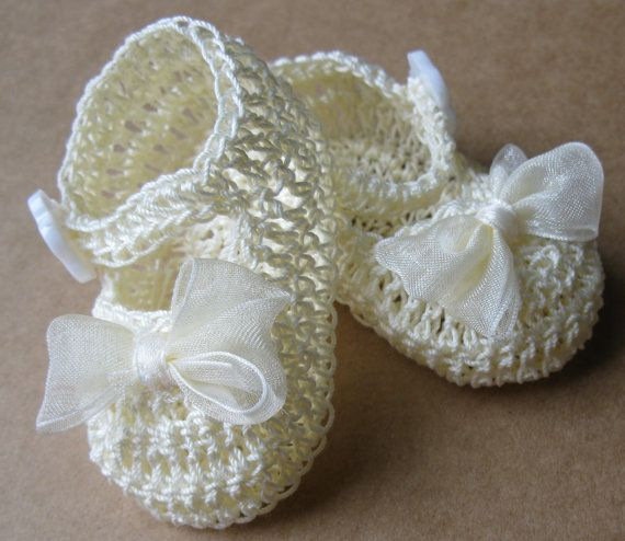 3748e8cc17fe2 Crocheted Newborn Baby Girl Booties Infant Girl Crib Shoes Knit ...