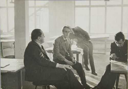 Bauhaus Steglitz ludwig mies der rohe with students at the bauhaus berlin 1933