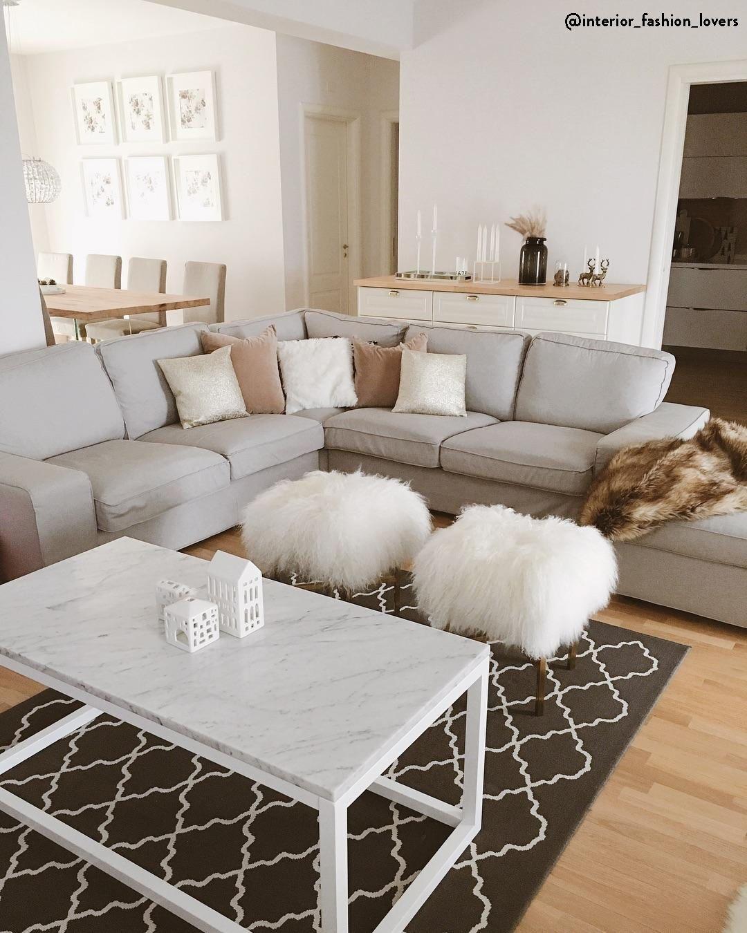Divano E Tavolo Insieme divano salotto e soggiorno
