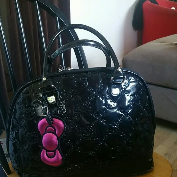 Hello Kitty Handbag It is super clean and wear once only. Hello Kitty Bags Shoulder Bags