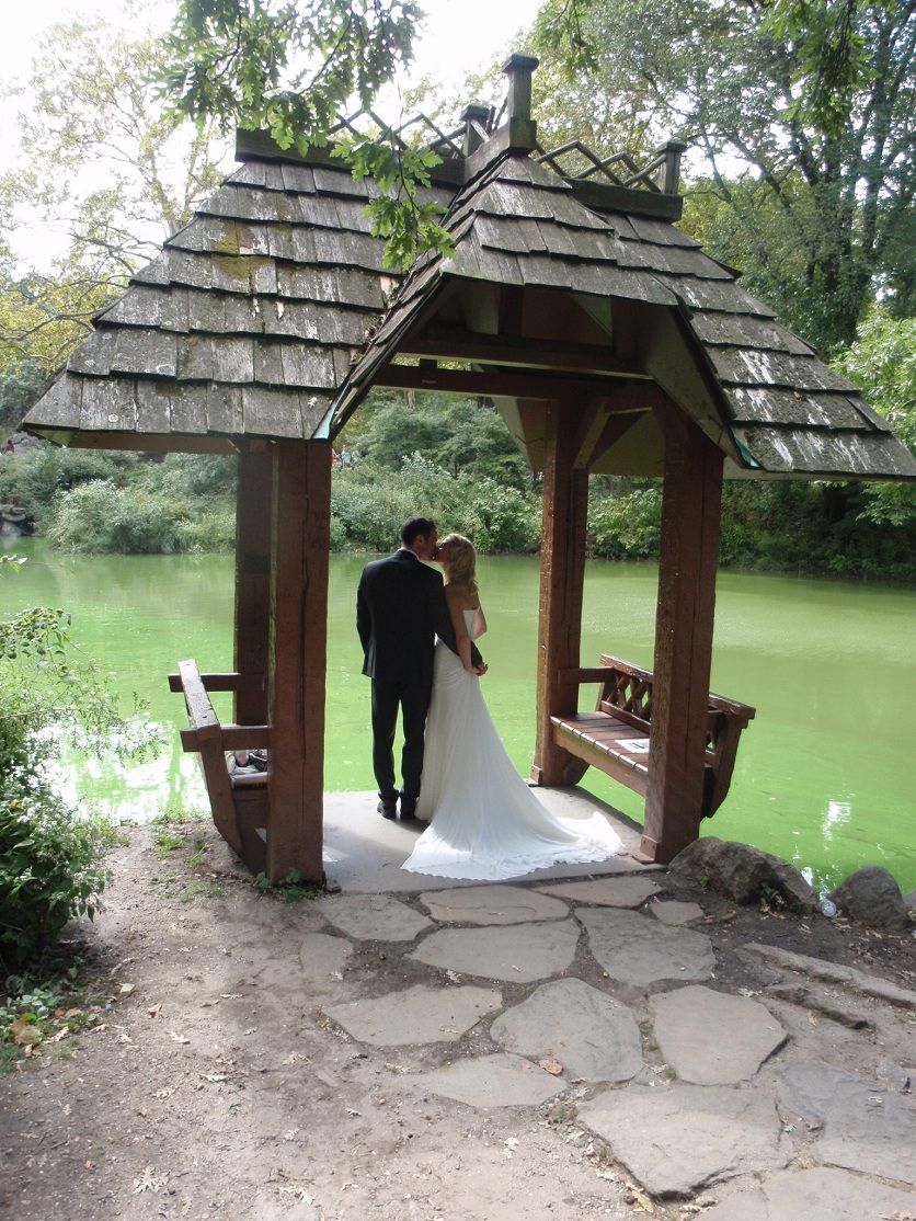 A Wedding In Wagner Cove In Central Park Central Park Weddings