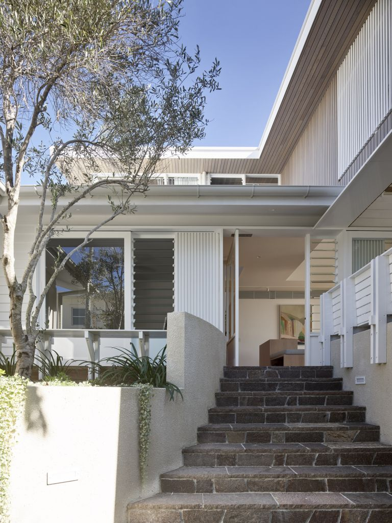 The revival of A post-war beach house - Eco Outdoo