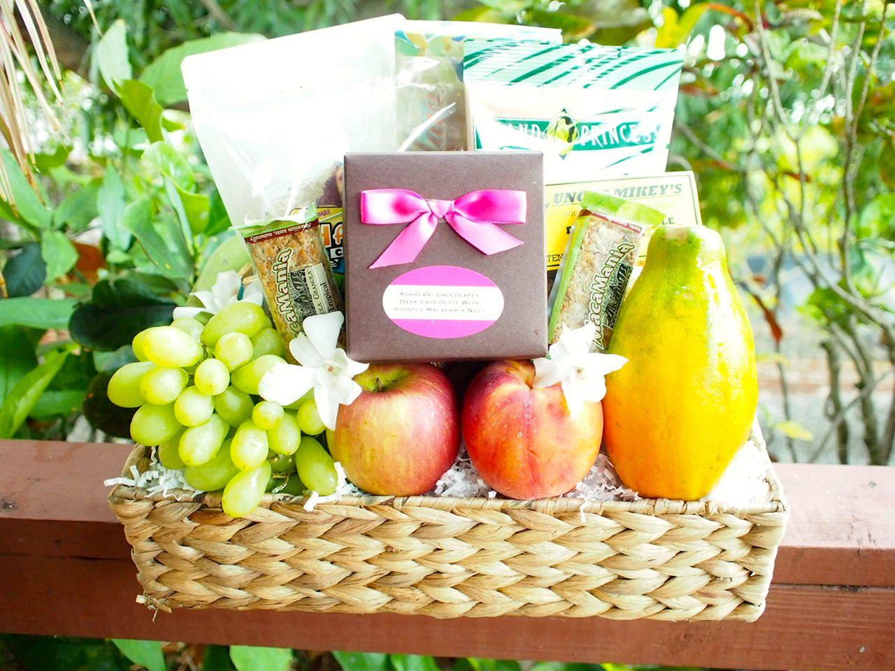 A Beautiful Custom Hawaiian Gift Basket W/fresh Fruit And