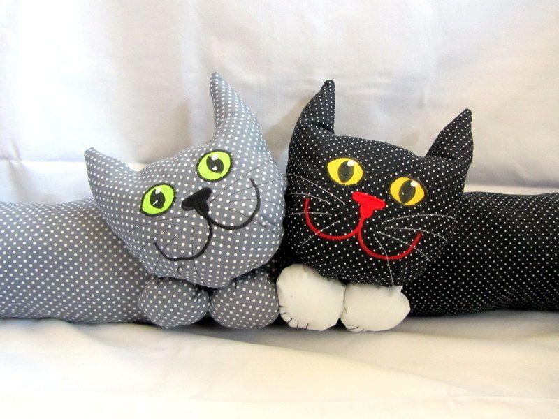 weiteres zugluftstopper zwei katzen ein designerst ck von lilytiger bei dawanda. Black Bedroom Furniture Sets. Home Design Ideas