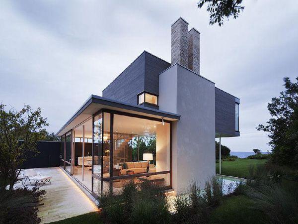 Contemporary beach house at Montauk Point