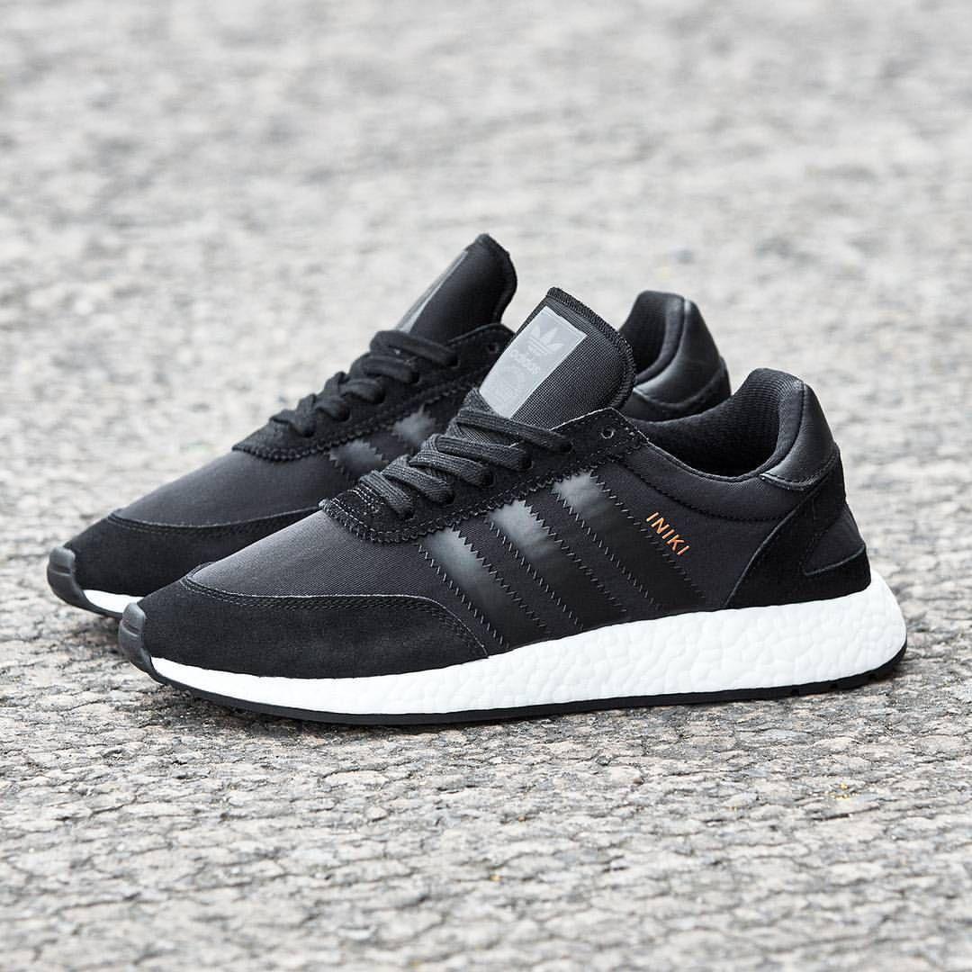 Adidas originali iniki runner jays in piedi pinterest adidas