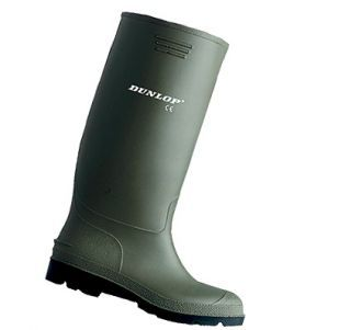 The Dunlop Pricemaster non-safety Wellington provides excellent protection from the elements as well as lasting comfort, making it a practical and affordable boot for a wide variety of uses. The Dunlop Pricemaster non-safety Wellington is manufactured with a 380VP PVC Upper and sole that has a Nylon lining. Water resistant. Resistant to low concentration acids, alkali's and disinfectants.