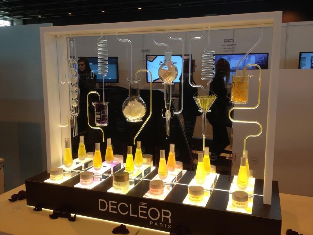 Popai awards meuble decleor focus shopper stand 2018 pinterest retail design store for Creation de stand