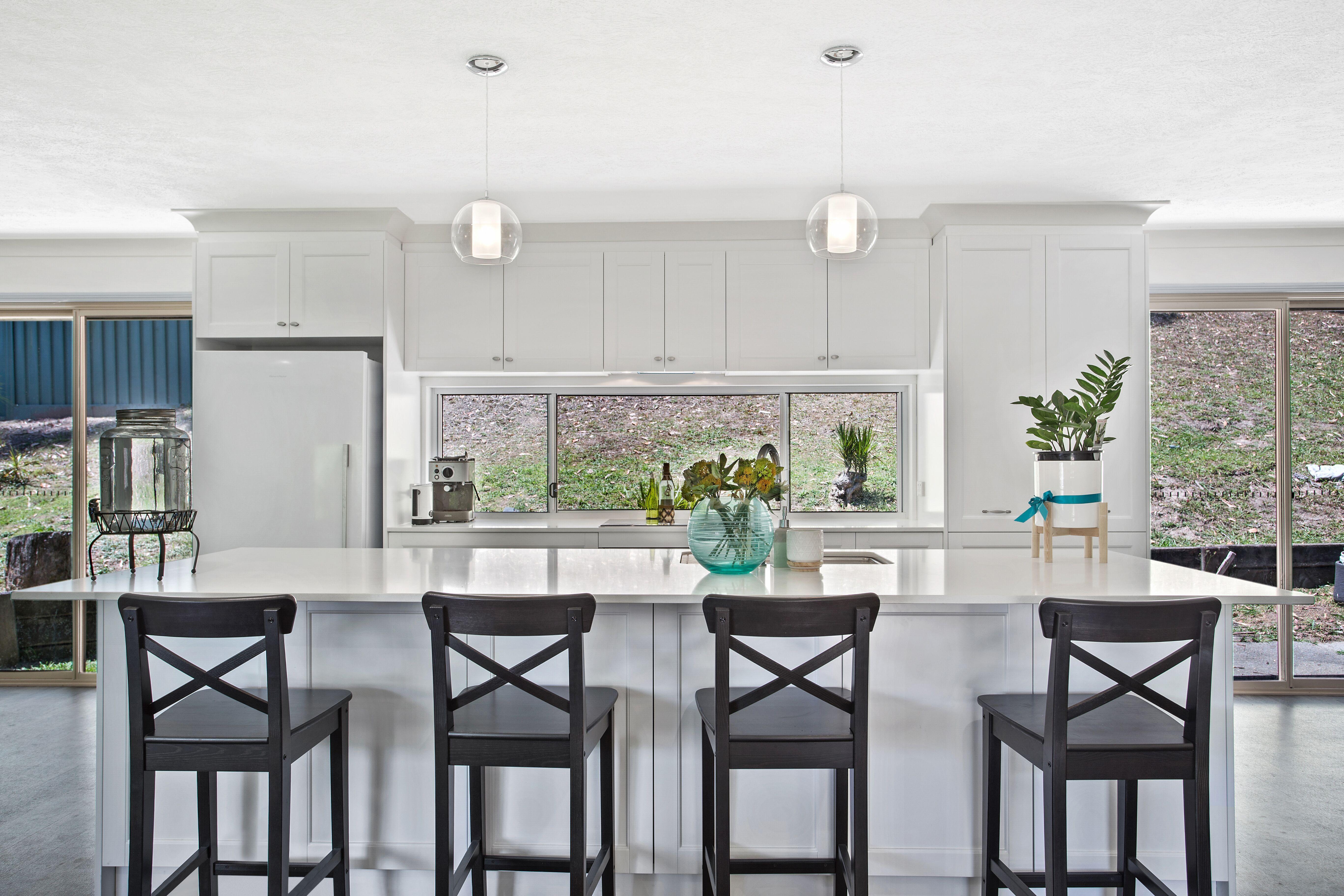 2pak doors, draws & panels in 30% Gloss White ~ 20mm Smartstone ...
