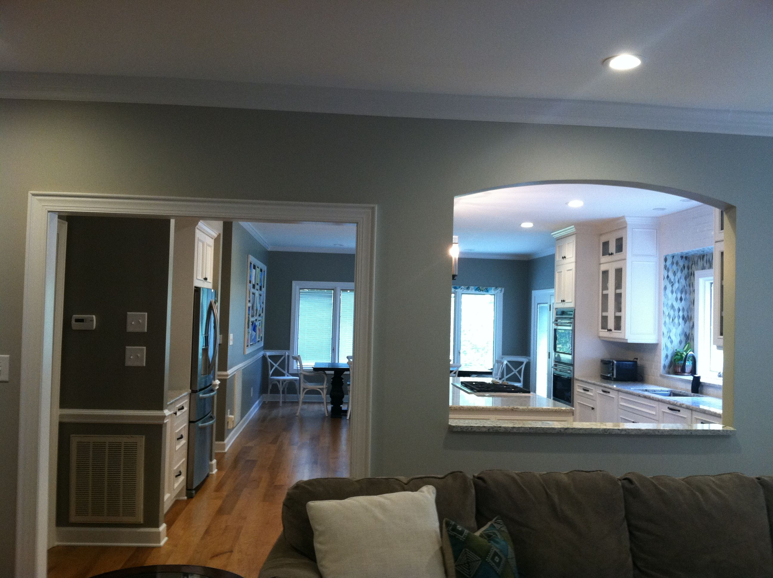 Doorway and arched cut-out between living room and kitchen | My ...