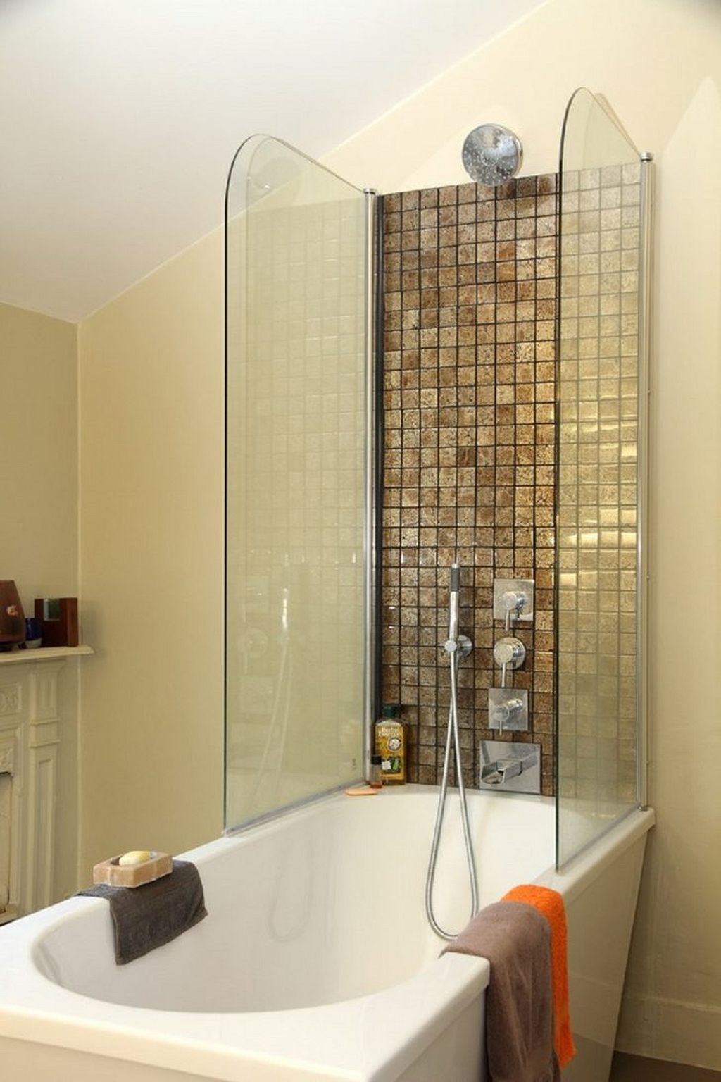 60+ Small Bathroom Tub Shower Combo Ideas | Bathroom tub shower, Tub ...