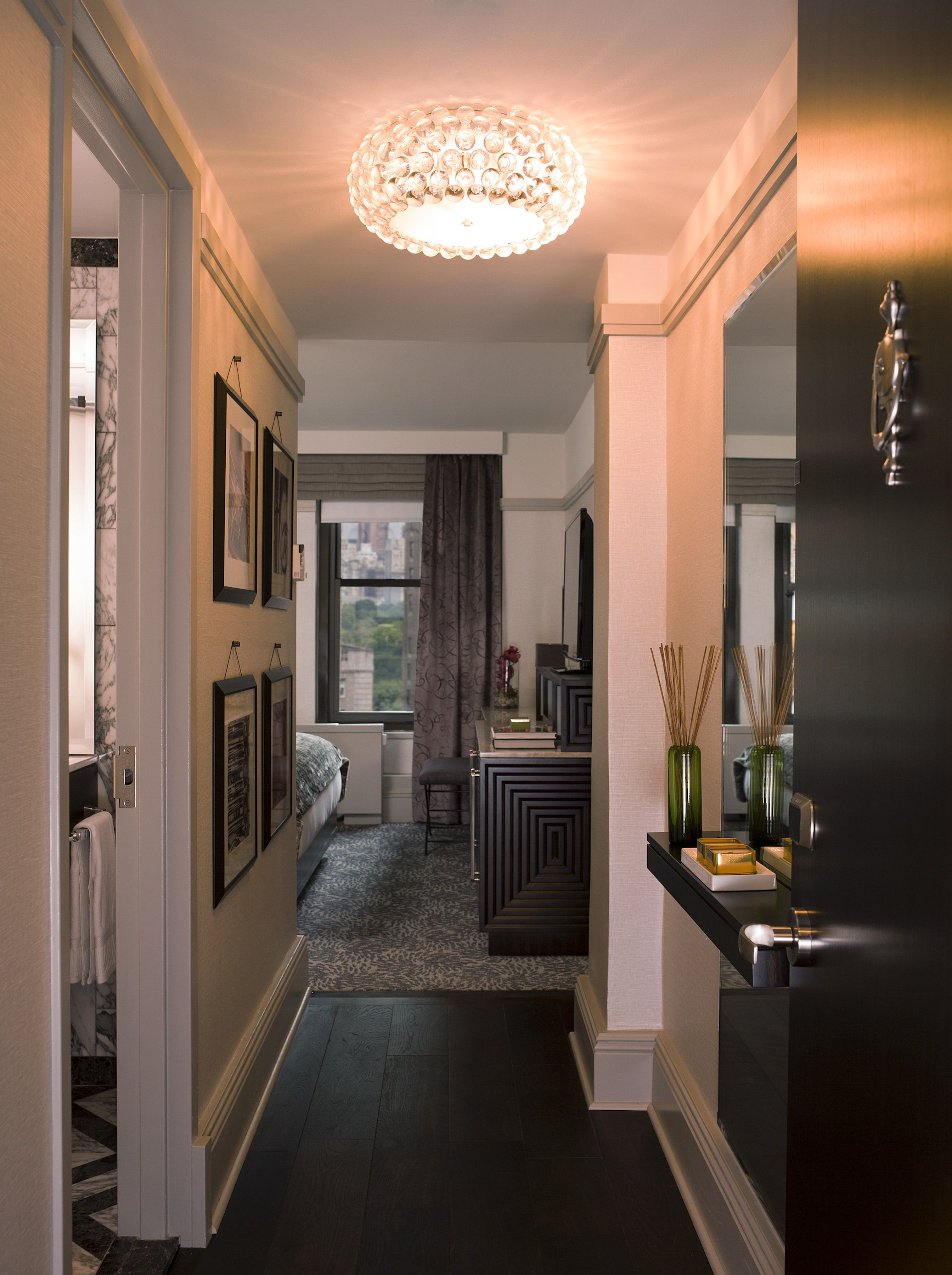 1920s inspired lobby at the westhouse hotel in new york for Hotel foyer decor