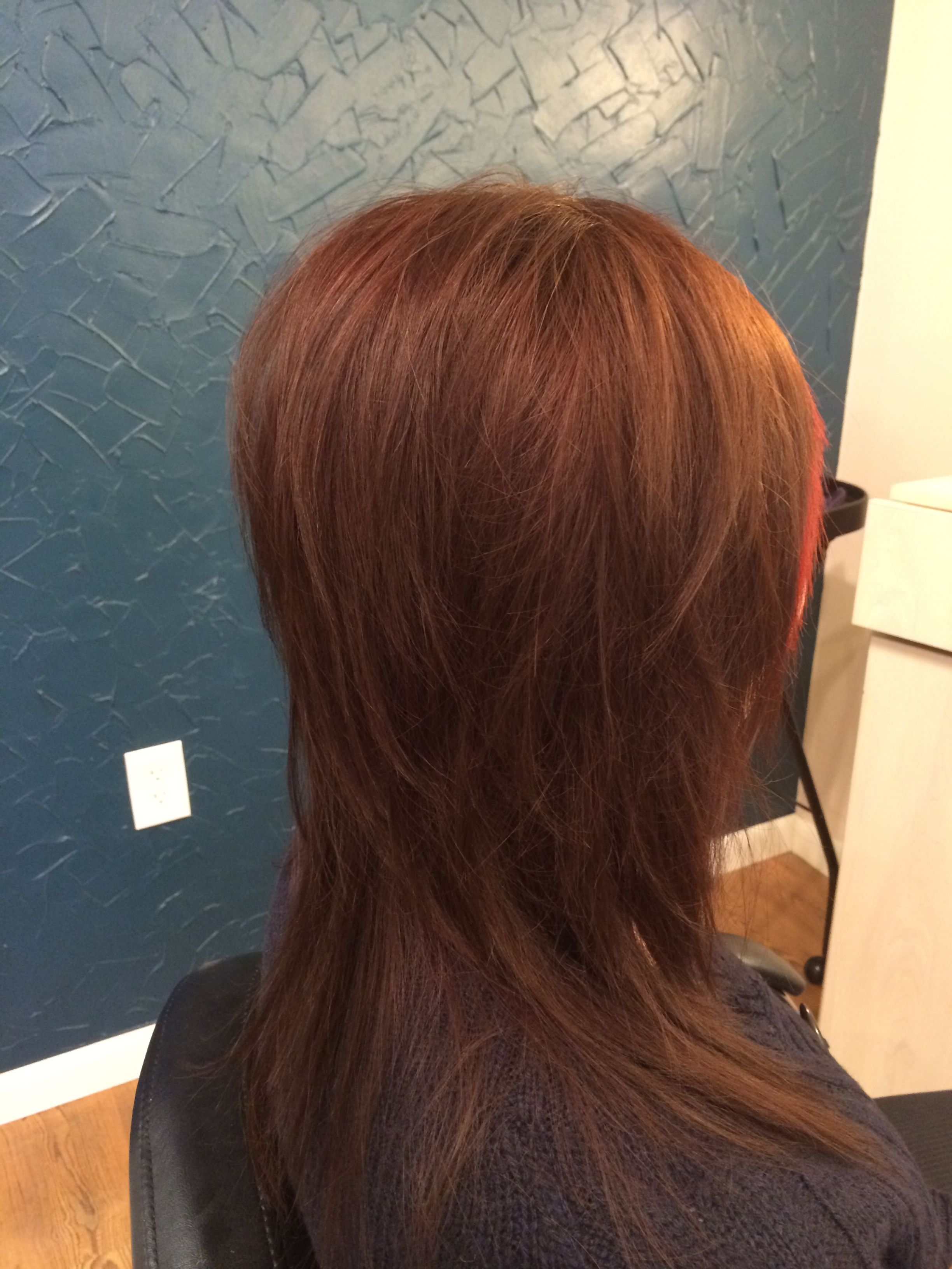 Haircut Styles For Long Thin Hair: Disconnected Layers, Razor Cut